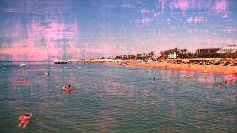 Antalya Beach from your $225 Best Rental Destination. Photo Pixabay