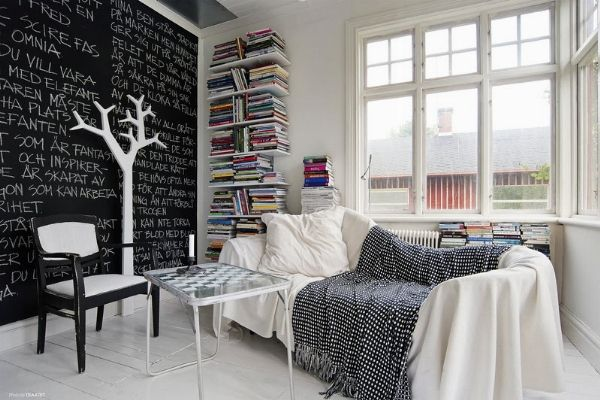In cucina, in studio e in camera la moda è quella della pittura lavagna! Ecco come realizzarla fai da te e magnetica per decorare la vostra casa! http://www.arredamento.it/pittura-lavagna.asp #pittura #lavagna #decorazione #pareti #casa