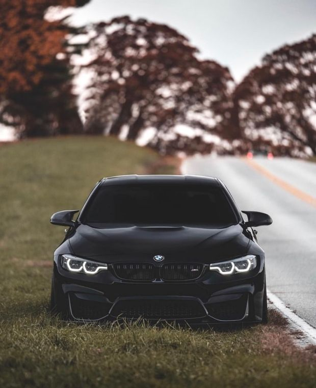 Black Sapphire Bmw F82 M4 Competition In Black Sapphire Metallic Shadow M4 Bmw M4 Bmw Black Bmw