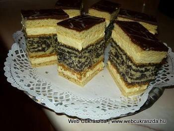 Fekete rózsa | Ménesi Magdi csodálatosan szép, egyszerűen tökéletes süteménye, köszönjük szépen! Íme a receptje: http://webcukraszda.hu/edesseg_search.php?id=1961