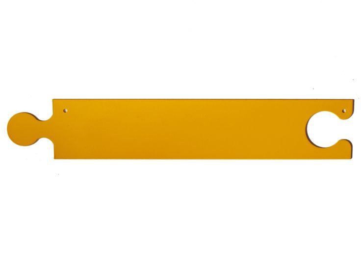 Tanti pezzi pazzi da comporre per tenere in ordine la nostra cameretta, attacchiamo tutto quello che creiamo o appendiamo tutto ciò che vogliamo, disegni, fotografie e anche abiti. Le calamite tengono qualche decina di fogli tutti insieme. Elemento in acciaio tagliato laser e verniciato con colori RAL.  Disponibile nei colori RAL: bianco 9016, fucsia4006, arancio 2004, giallo1003, azzurro5012. Misure: LXHXP 57,7x10x0,12cm