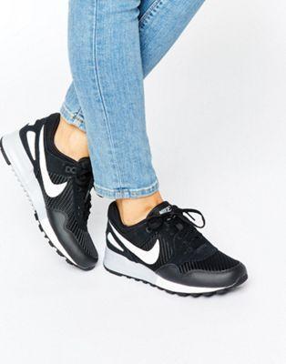 Nike - Air Pegasus - Baskets - Noir et blanc