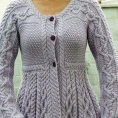 Gilet  / veste automne femme  gris tricot fait-main                                                                                                                                                                                 Plus
