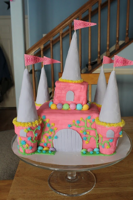 Princess Castle Cake how to, might have to be Chloe's next birthday cake!