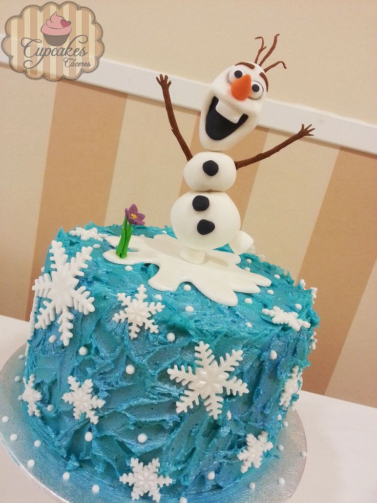 Frozen Buttercream Cake With Gumpaste Olaf Tartas