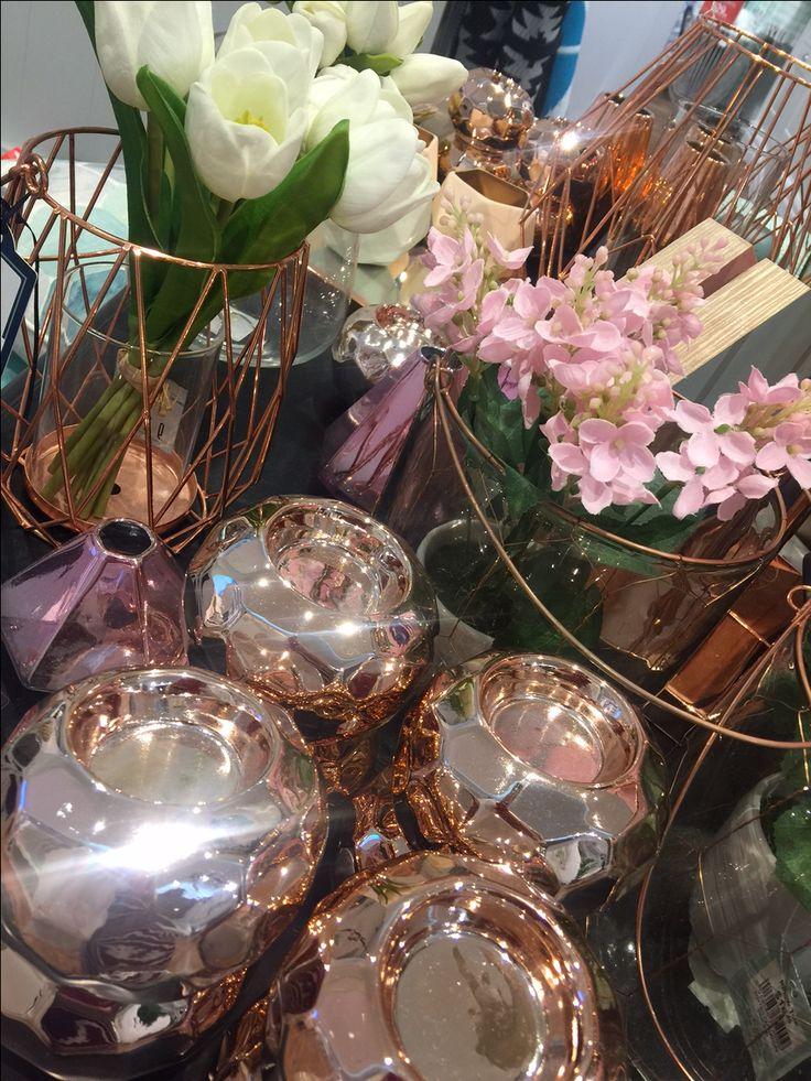 Centerpiece decorations – Wedding Planner, Brisbane, Gold Coast, Olive Rose Weddings & Events
