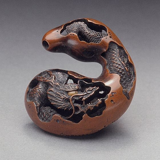 Naito Toyomasa (Japan, 1773 - 1856) Dragon and Gourd, first half of 19th century Netsuke, Wood with inlays