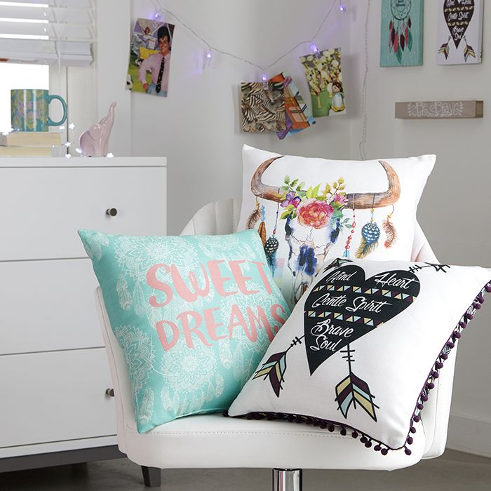 Pillow fight | rue21