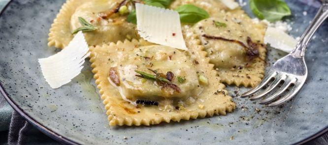 Zelfgemaakte pasta, heel makkelijk en superlekker. NB. Dit is geen eigen recept, het komt uit 'the naked chef' van Jamie Oliver.