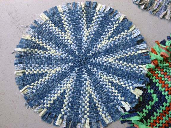 Wagon Wheel Rug Example Photo From Ally And Lucie Blog 3 22