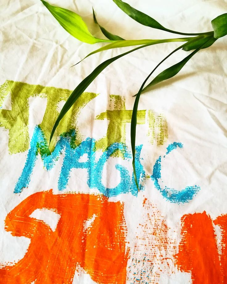 MAGIC 🖌️  //  #magia #magic #painting #details #calledtobecreative #click2inspire  #creative #creativelifehappylife  #creativemind #creativepreneur  #design #graphicdesign  #igers #igersportugal #p3top   #inspirationiseverywhere #instagramar  #mycreativebiz #mywork #peoplecreative  #portugalcomefeitos  #wonderlustportugal #huawei
