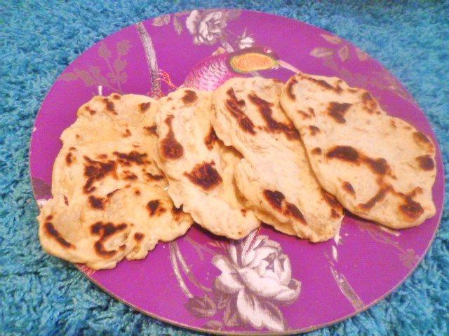 Naan / Nan bröd i stekpanna - Indiskt bröd - Mjukt och fluffigt!