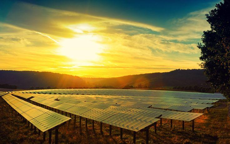 """Güneş, Ulaşımda Fosil Yakıtların Yerini Alabilir Uluslararası veriler ışığında güneş enerjisi, önümüzdeki dönemde birçok fosil kaynağın yerini alabilecek.  Avustralya İleri Fotovoltaik Merkezi Direktörü Prof. Dr. Martin A. Green, güneş enerjisi dönüşüm teknolojilerinin öneminin giderek arttığını belirterek, """"Uluslararası veriler ışığında güneş.. http://www.enerjicihaber.com/news.php?id=1352"""