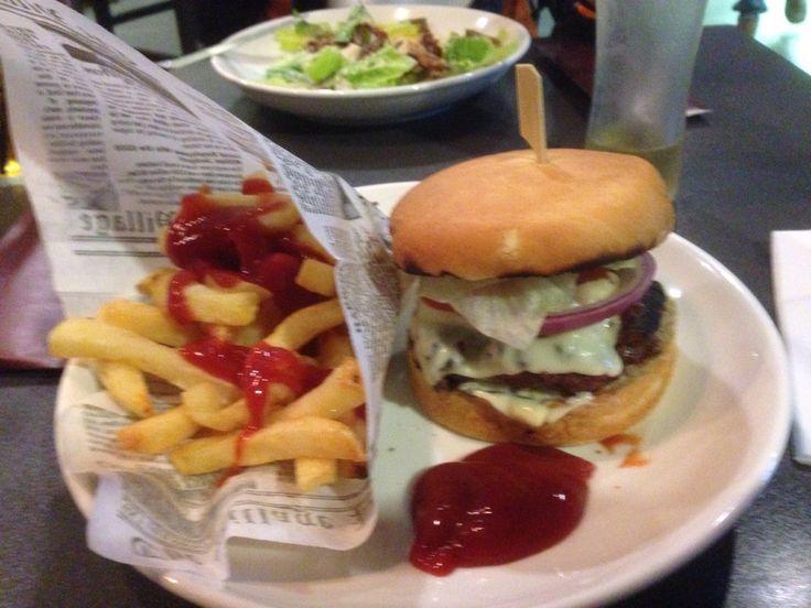 Black Angus Burger - Touchdown Sports Bar - Sydney, Australia