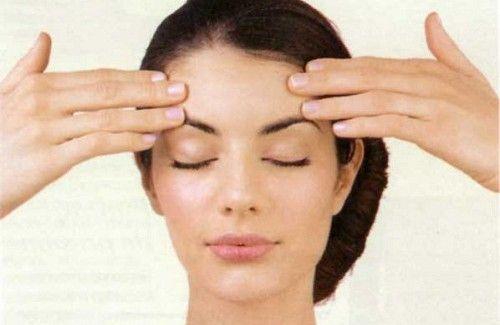 Exercícios faciais para tonificar o rosto e atenuar as rugas
