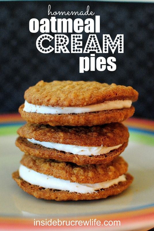 Homemade Oatmeal Cream Pies - oatmeal cookies with a marshmallow filling. So good!