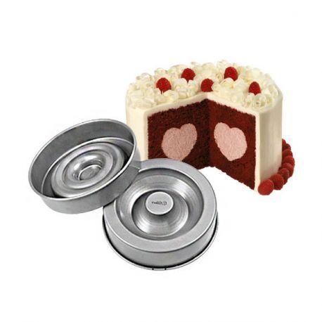 Moules à gâteau insert coeur Wilton pour réaliser des gâteaux cachés grâce à son insert.
