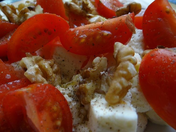 """Protein Fast Food. Protein """"Fast Food"""" – was isst das Team von Konzelmanns zu Mittag? Mehr Low Carb Rezepte unter: http://www.konzelmanns.de/low-carb-rezepte-kohlenhydrat-reduzierte-gerichte-kochen/index.htm"""
