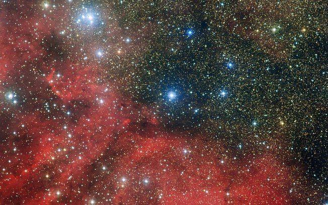 Telescópio capta aglomerado de estrelas dentro de aglomerado