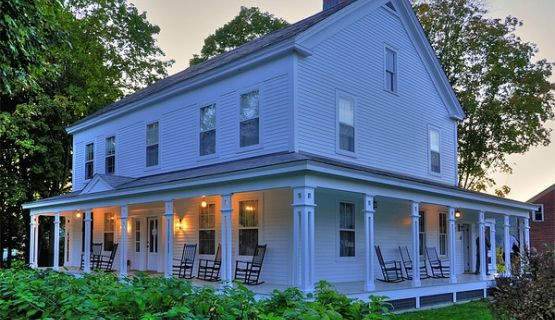 Best 25 country farmhouse exterior ideas on pinterest for Vermont farmhouse plans