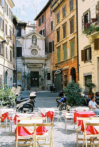 Street tables, Rome