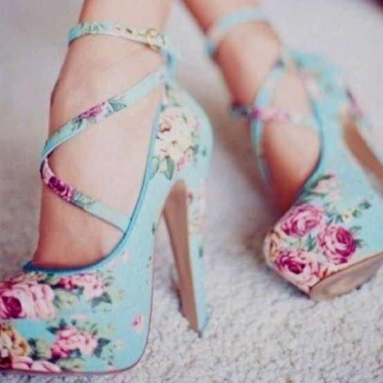 want!: Floral Patterns, Floral Prints, Cute High Heels For Teens, Summer Shoes, Bridesmaid Shoes, Floral Heels, Blue Flower, New Shoes, Floral Shoes