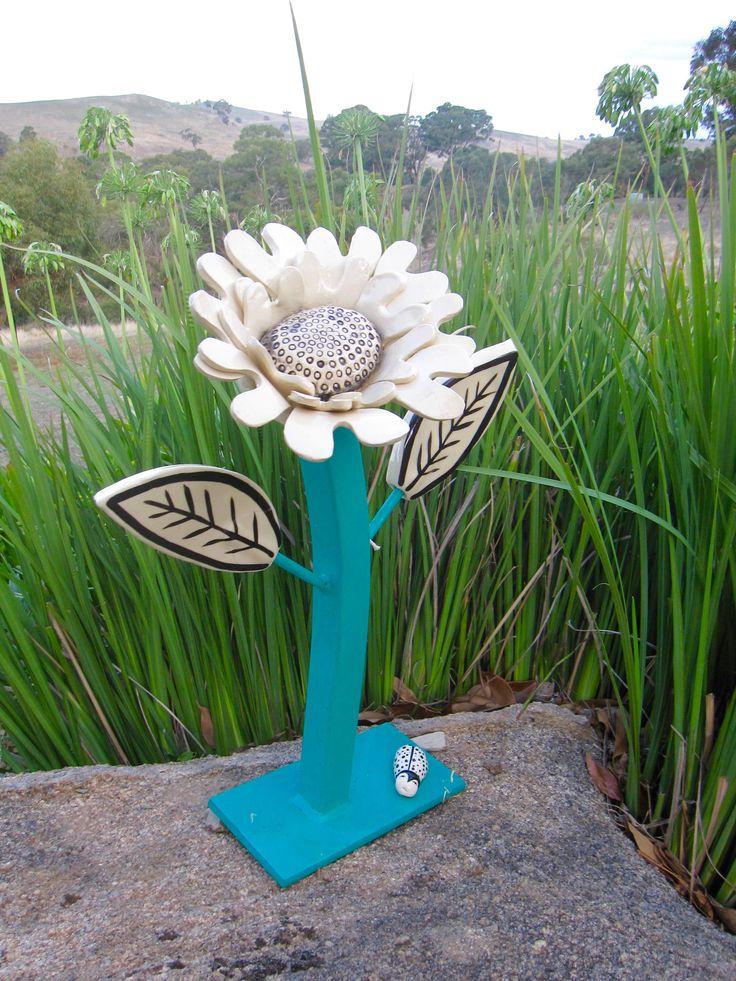 """Ceramics Autumn 2017 Ann-Maree Gentile """"Daisy"""""""