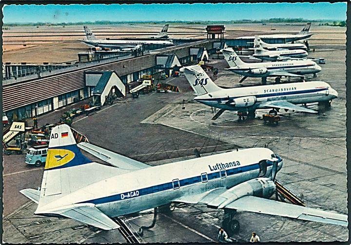 Fly SAS & Lufthansa (D-ACAD)  i Kastrup Lufthavn. M. Munthe no. 1192.