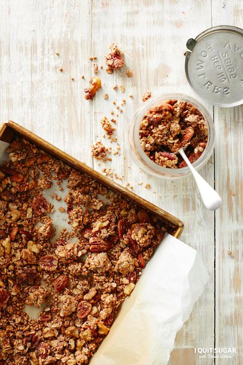 Need a healthy breakfast that is totally toteabe?! Make a batch of this Chunky-Monkey Banana Bread Granola from our Healthy Breakfast Cookbook.