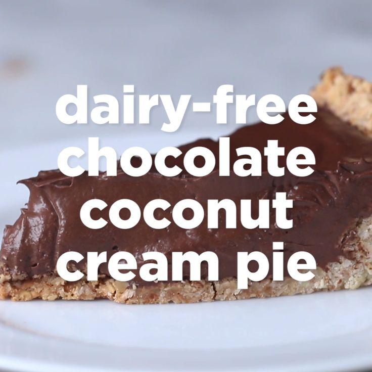 Dairy-Free Chocolate Coconut Cream Pie // #vegan #pie #coconutcreampie #chocolate #dessert