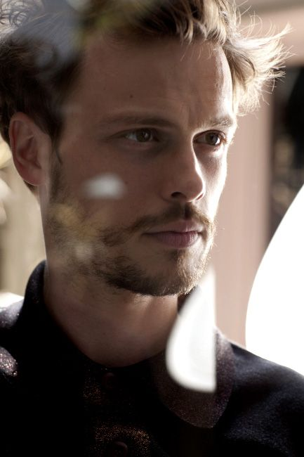 Is it wrong for me to think that this American would be BRILLIANT in Doctor Who? Possibly as.... ;-D Matthew Gray Gubler