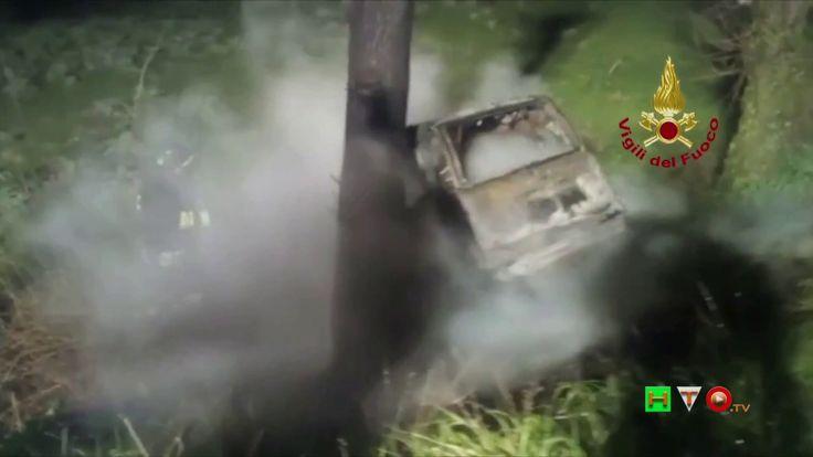 Vigili del Fuoco - Jesi (AN) - Incendio autovettuara a seguito incidente...