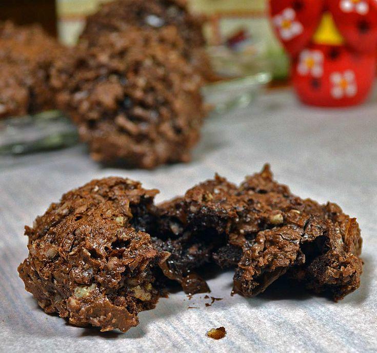 25 Days of Christmas Cookies: Day 19- Flourless German Chocolate Cake Cookies