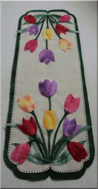 PatternMart.com ::. PatternMart: TULIPS! Wool Penny Rug Tablerunner Candle Mat PATTERN