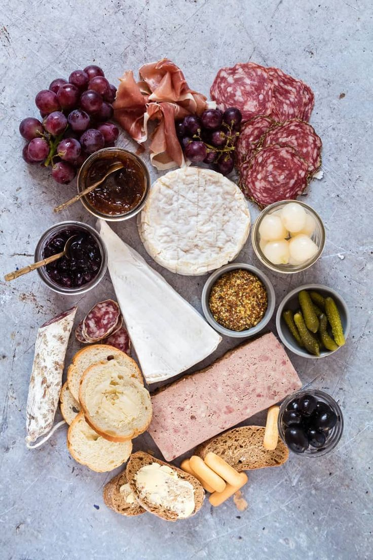 I love visiting France. Not just for fab weather, beautiful scenery and sophisticated culture. No – mostly for the food. I love the whole attitude to food – that it is a subject to be taken seriously, that people want to produce good food.