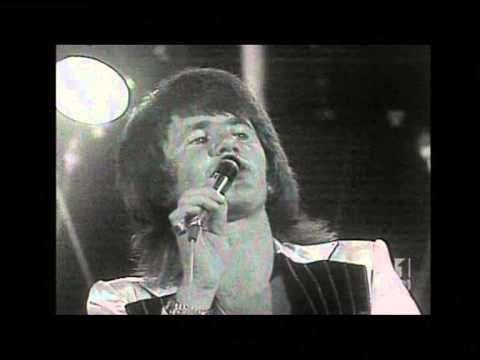 """▶ Sherbet - Live At The Capitol Theatre January 1974 on ABC TV Australia - Sherbet are one of the most prominent and successful Australian rock bands of the '70s. Line-up: Daryl Braithwaite (v), Tony Mitchell (bg), Garth Porter (k), Alan Sandow (d), Clive Shakespeare (g). Sherbet's biggest singles were """"Summer Love"""" and """"Howzat"""" (1976), both reaching number one in Australia."""