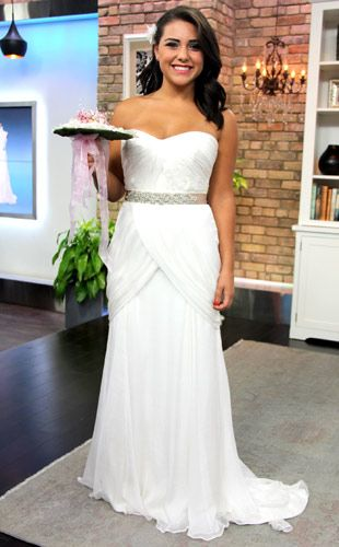 Wedding Dress Style Guide: Busty Bride