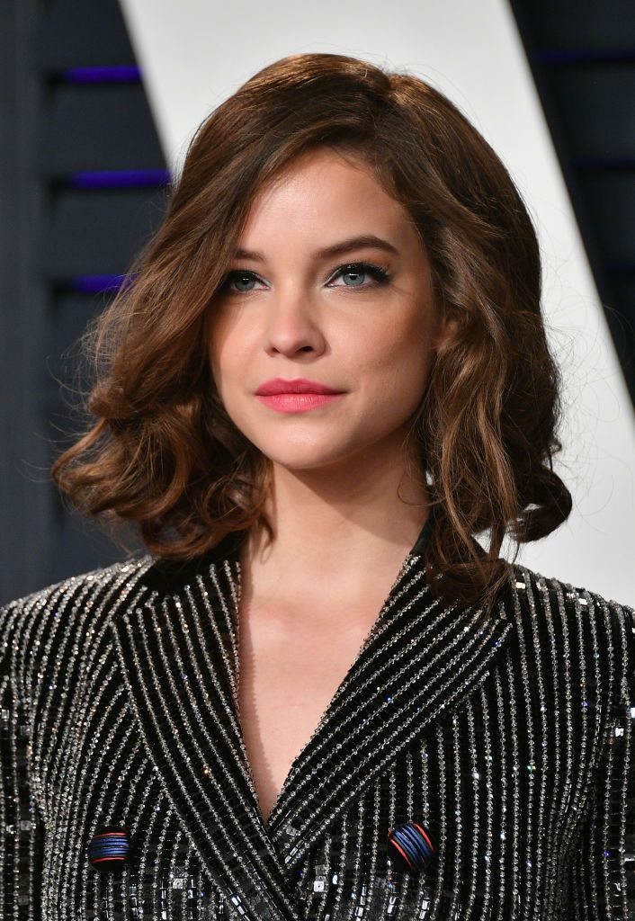 Barbara Palvin Attends The 2019 Vanity Fair Oscar Party Hosted By Barbara Palvin Curly Hair Celebrities Medium Curls