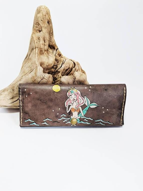 Check out this item in my Etsy shop https://www.etsy.com/ca/listing/590376045/womens-leather-wallet-womens-wallet