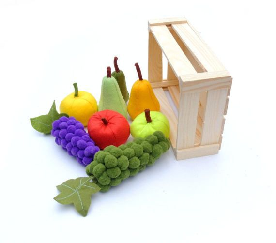 Pretend Fruits Montessori Toy Food Felt Set Edu Toy For Kids Apples Pears Grapes with Wooden Box Crate Home Decor Farmers Market Farmhouse