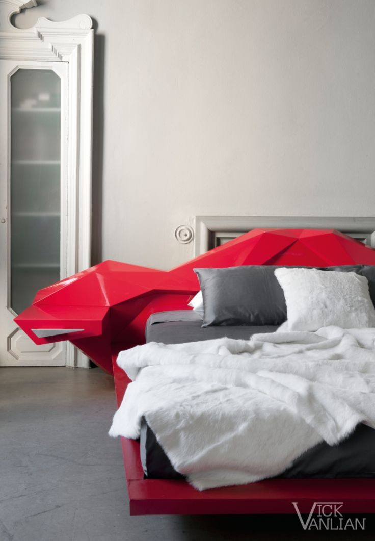 "Mostro Bed - Designed by ""Vick Vanlian"""