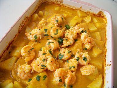 Bater todos os ingredientes (tirando o peixe, o camarão e as batatas), no liquidificador. - Receita Prato Principal : Peixe com molho de camarão de Trainee de cozinheira