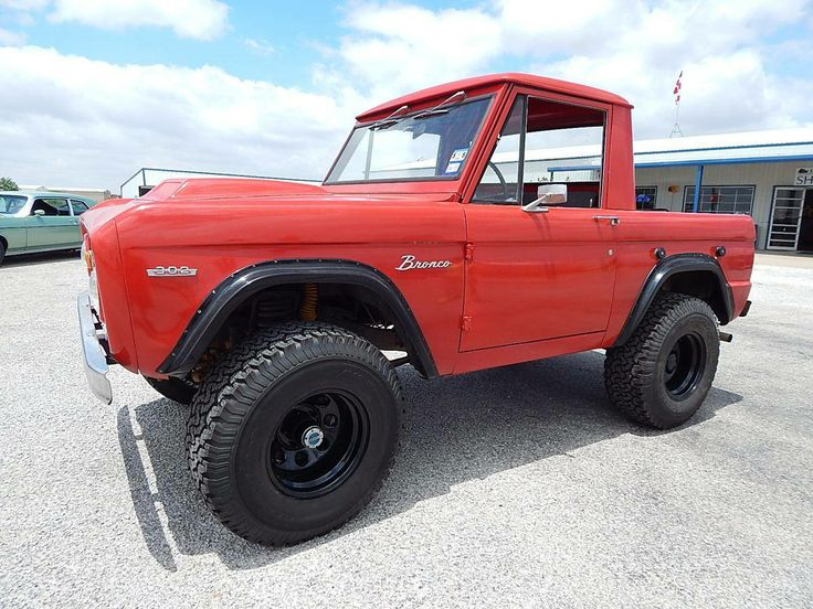 1969 Ford Bronco Truck 4x4.