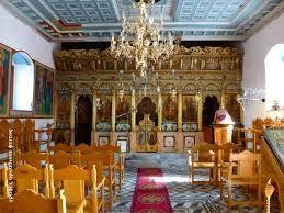 Το εσωτερικό του ναού των Ταξιαρχών στο χωριό Σκορτσινού Αρκαδίας. Όπως μας δήλωσε ο ιερέας που βρήκαμε εκεί, εκτός από αυτήν την ενορία,