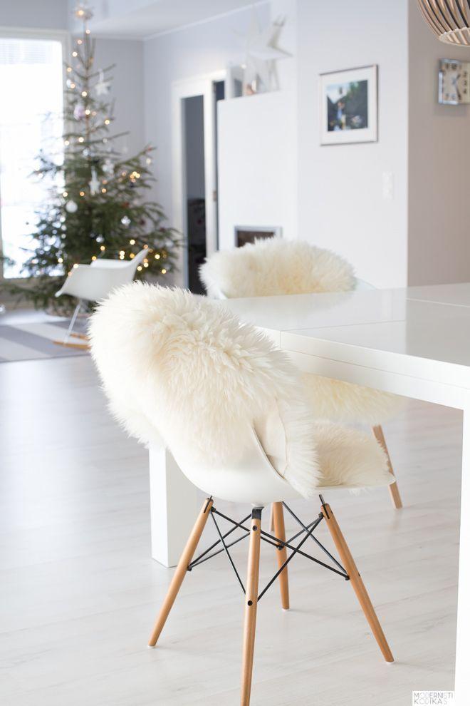 Inspiratie voor de feestdagen: de mooiste witte kerst interieurs. Doe ideeën en tips op voor het inrichten van een sfeervol interieur met kerst!