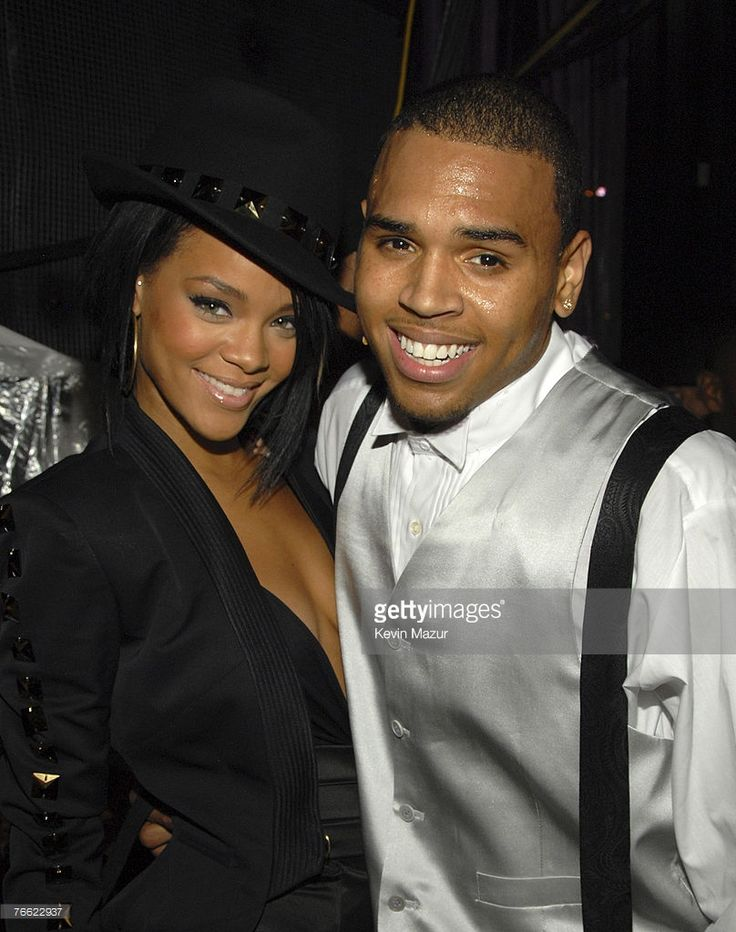 Singer Rihanna and Singer Chris Brown backstage at the 2007 MTV Video Music Awards at The Palms on September 9, 2007 in Las Vegas, Nevada. **EXCLUSIVE**