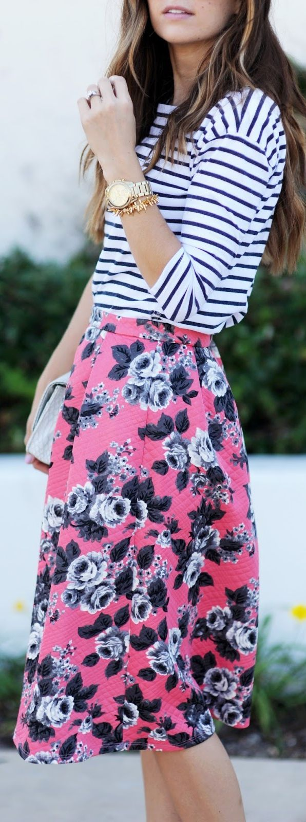 Mixing patterns! Wish I could do more of this. Love the midi skirt, cut and pattern, and always love navy stripes.