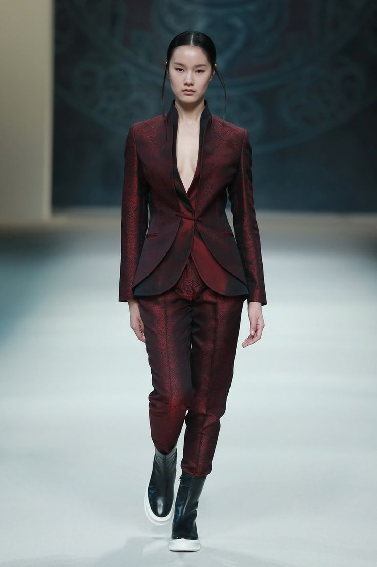 Models Present Creations From Designer Zeng Fengfei At China 39 S Fashion Week In Beijing Chinese