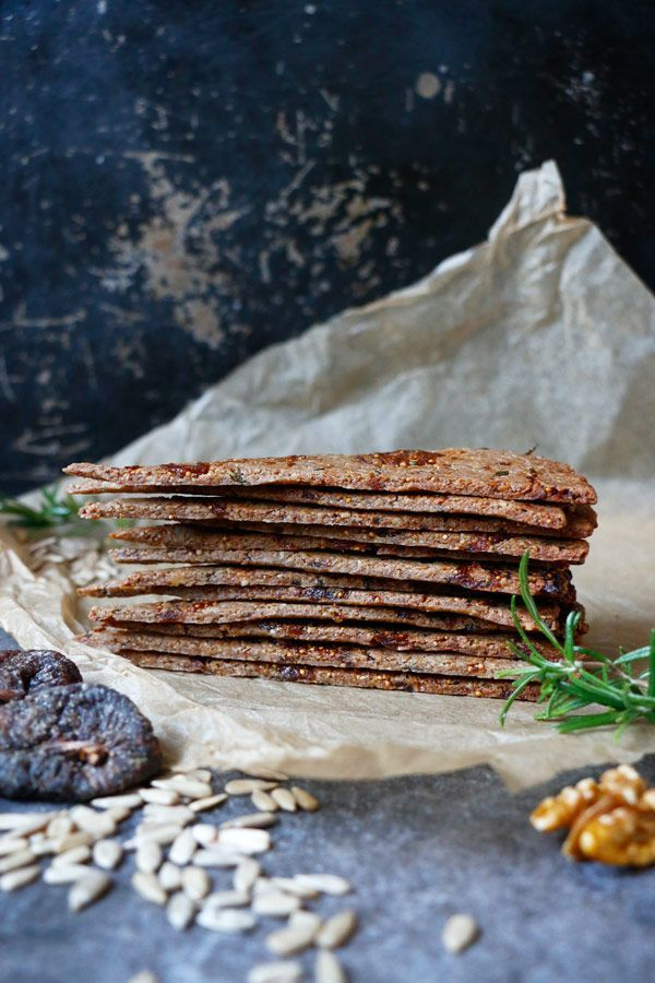 Fig Walnut Rosemary Crackers Recipe. Full of flavour gluten-free & vegan crackers made with walnuts, sunflower seeds, quinoa flour and fresh rosemary.