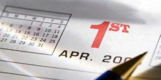 Hari lelucon yang biasa jatuh pada tanggal 1 April atau disebut juga April Mop, merupakan hari yang cukup menjengkelkan di setiap tahun-nya. Sebenarnya asal-usul kemunculan April Mop tidak begitu pasti. Sejumlah orang ada yang mengganggap jika April Mop adalah sebagai perayaan mengenai pergantian musim, sedangkan sebagian orang lainnya percaya jika hal itu berasal atas penerapan kalender baru. April Mop Konon berasal dari budaya kuno. Menurut cerita, pada zaman dahulu, ada orang Romawi dan…